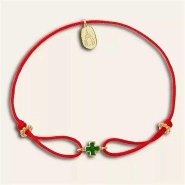 Красный браслет с крестиком
